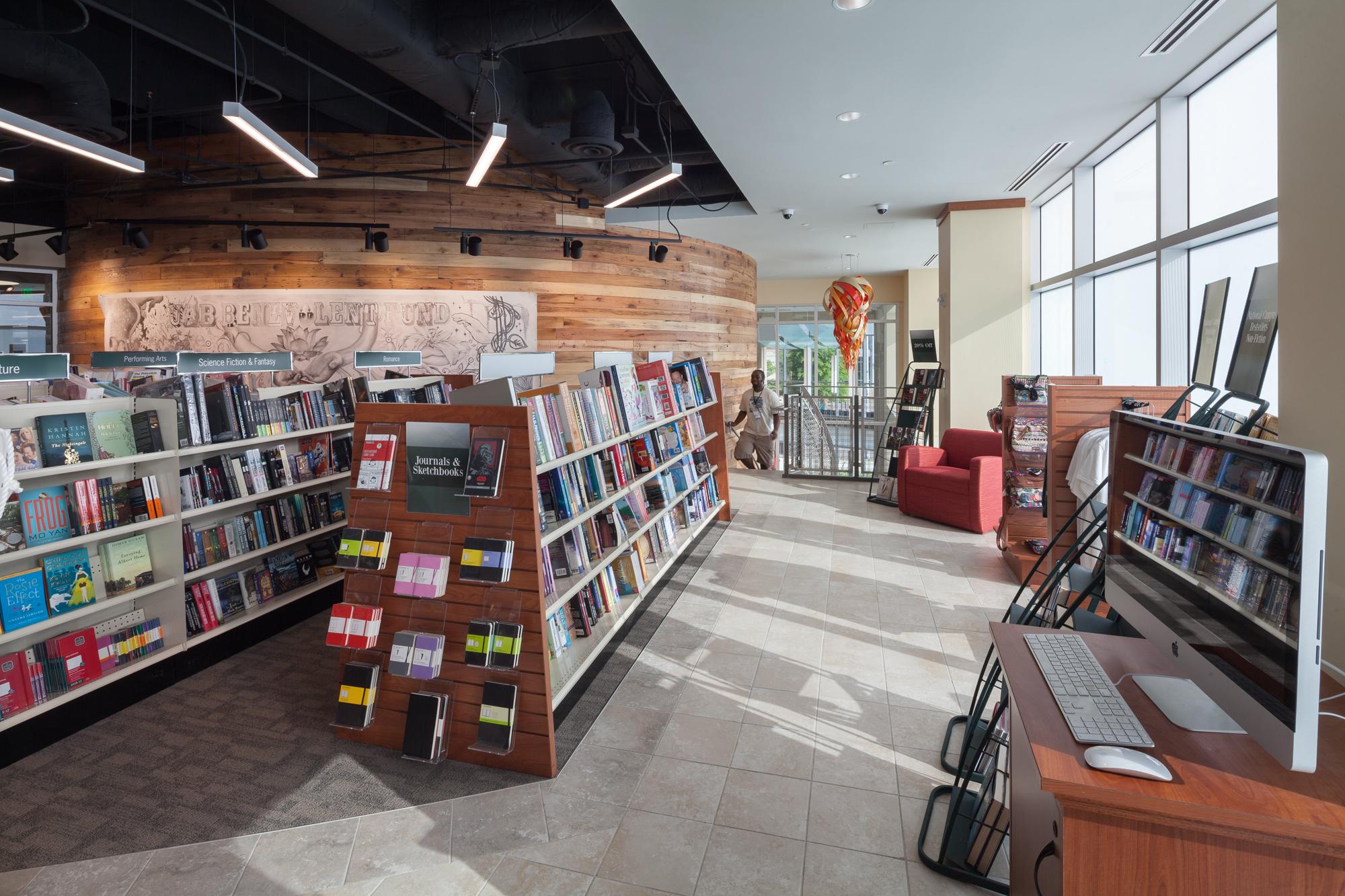 HILL-int bookstore